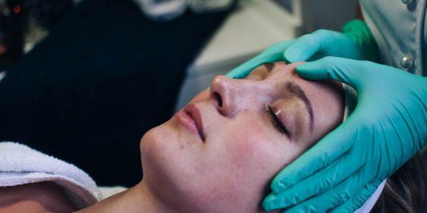 gezicht-bindweefsel-massage